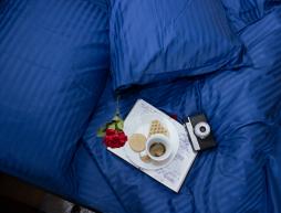 Полуторный набор постельного белья 150*220 из Страйп Сатина №50666 Черешенка™